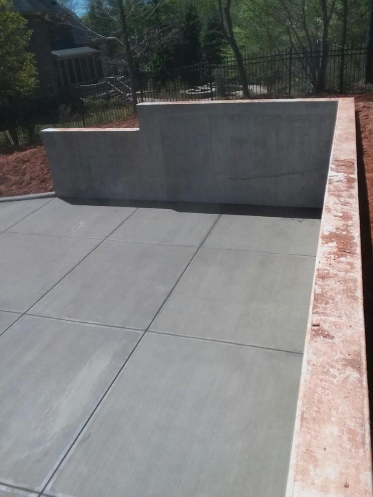 Poured Concrete Retaining Wall Forms : Poured concrete walls sudlow